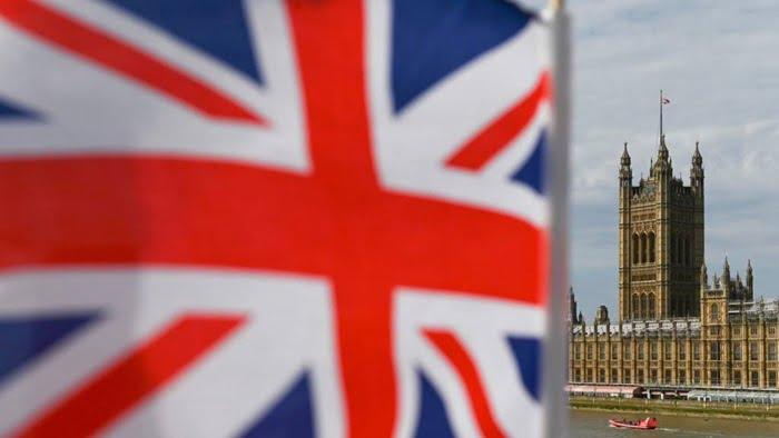 نواب في البرلمان البريطاني يطالبون الحكومة بمساعدة مايكل سميث المسجون في الإمارات